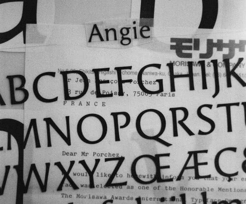 A sample of Porchez's typeface, Angie.